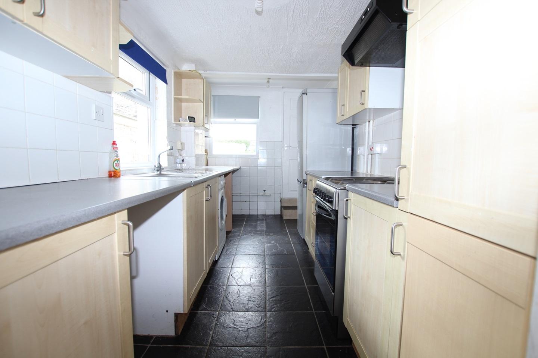 2 Bed Terraced House, Chamberlain Road, ME4