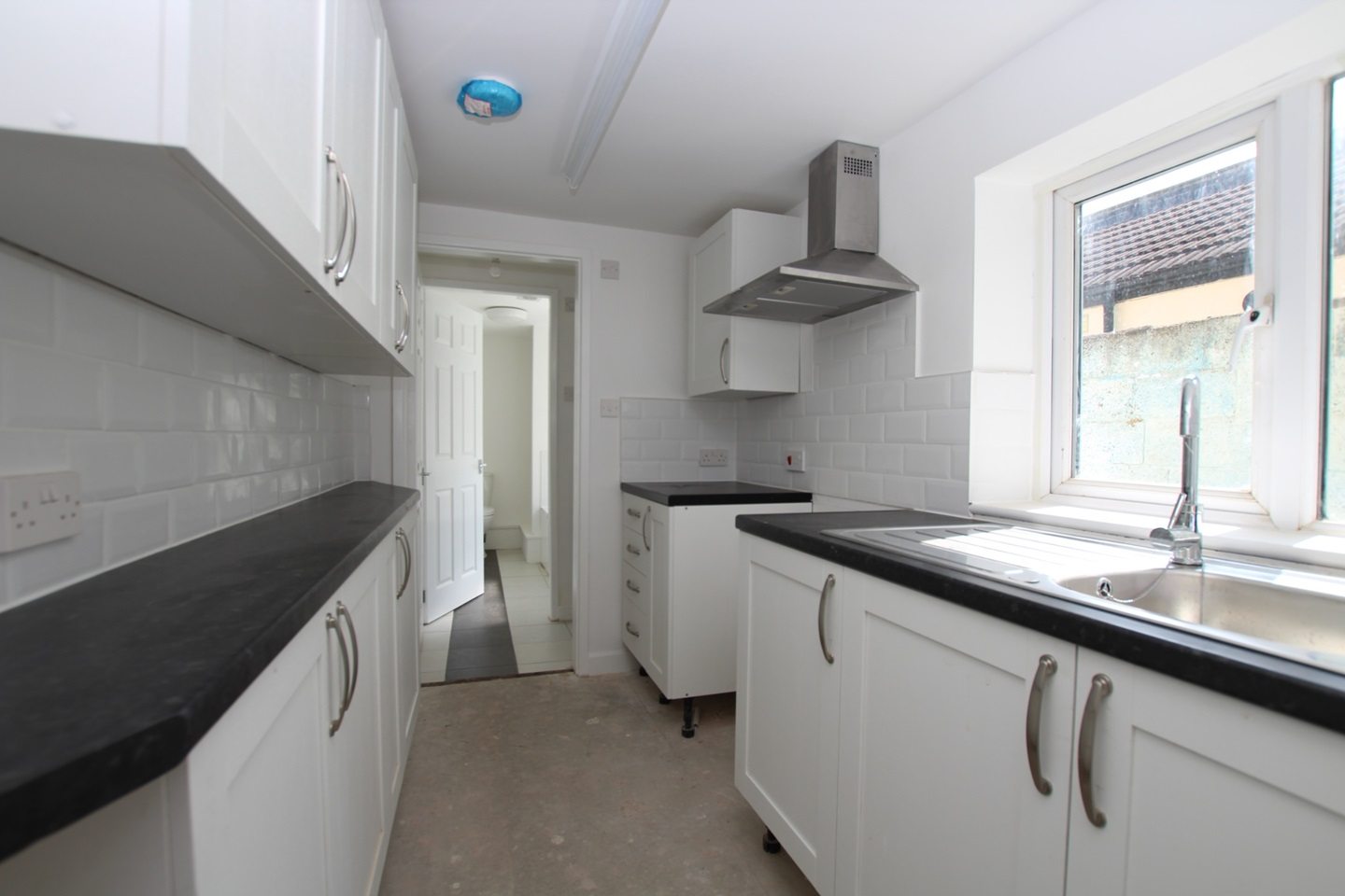 3 Bed Terraced House, Constitution Road, ME5