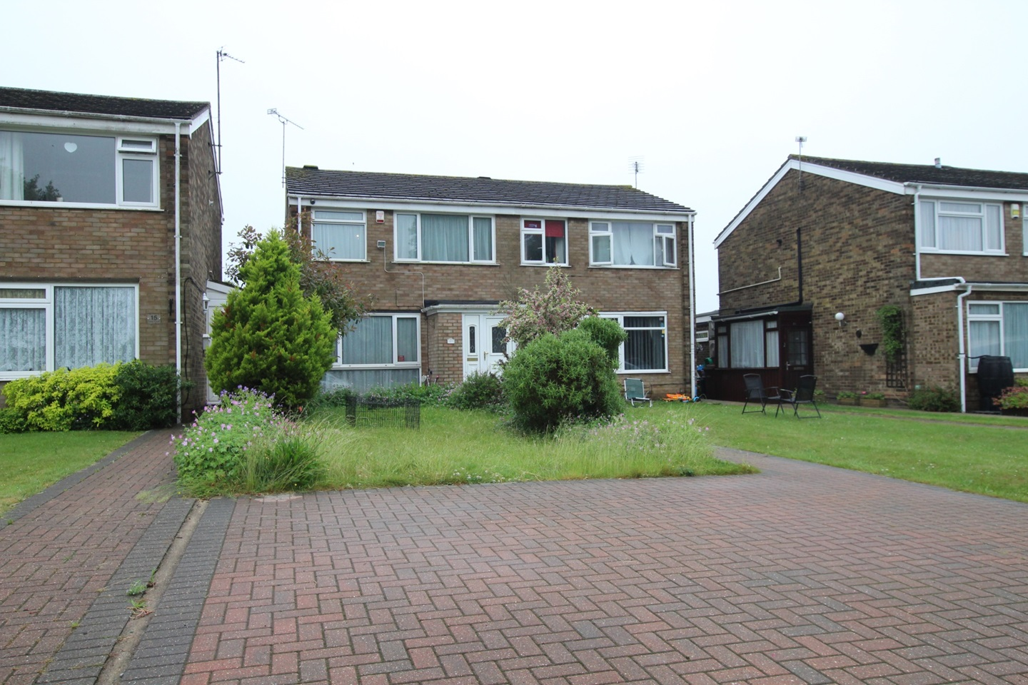 3 Bed Semi-Detached House, Lime Court, ME8